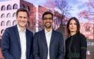 (v. li.) Philipp Justus, Zentraleuropa-Chef von Google, Sundar Pichai, Google-Firmenchef, und Annette Kroeber-Riel, Senior Director Public Policy und Government Relations bei Google