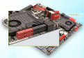 SATA-Anschlüsse: Mainboards haben heute SATA-II- und SATA-IIIAnschlüsse für Festplatten, SSDs und optische Laufwerke. Die schnellen SATA-III-Anschlüsse sind hier rot, die anderen schwarz.