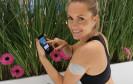 Das Pflaster Metria enthält mehrere Sensoren, die rund 20 verschiedene Vitalwerte wie Körpertemperatur, Schlafzieten und Schrittzahlen erfassen. Die Daten lassen sich mit einem Smartphone auslesen.