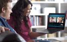 Microsoft verschenkt  für seinen Videotelefoniedienst Skype 12-monatige Premium-Konten. Damit sind Gruppen-Videokonferenzen kostenlos möglich.