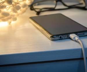 EU-Kommission will Vorschlag für einheitliche Handy-Ladebuchse machen