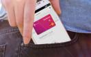 Die Deutsche Telekom macht mit MyWallet das Smartphone zur digitalen Brieftasche. Dazu ist eine Kombination aus App, digitaler Bezahlkarte und NFC-Sticker nötig.