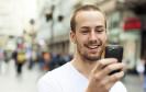 Immer mehr Menschen verlieren die Scheu, mit dem Smartphone oder Tablet einzukaufen. Das macht sich auch bei den Bezahlverfahren bemerkbar.
