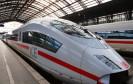 Die Deutsche Bahn verbessert ihr Internetangebot: Bis Ende des Jahres sollen die kostenpflichtigen WLAN-Hotspots in fast allen ICE-Zügen zur Verfügung stehen.