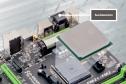 Anschlussleiste - Mainboards für Kaveri sind mit allen wichtigen Anschlüssen für externe Geräte ausgestattet, etwa USB und Gigabit-Netzwerk. Für die Bildausgabe sind Display-Port 1.2, HDMI, DVI und VGA vorgesehen. Die Mainboards müssen aber nicht alle vie