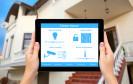 Das iPhone und iPad wird mit iOS 8 eine Steuerzentrale zur Heimautomatisierung: Das Smartphone und oder Tablet dimmt das Licht oder öffnet das Garagentor.