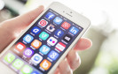 Apple hat ein Austauschprogramm für ein iPhone-Netzteil gestartet. Es kann überhitzen. Das betroffene Ladegerät wurde mit mehreren iPhone-Modellen ausgeliefert.