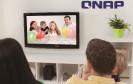 QNAP bringt mit dem HS-251 ein lüfterloses Home-NAS im Set-Top-Box-Design. Dank HDMI-Ausgang lässt sich der Wohnzimmer-Server auch direkt mit gängigen Smart-TVs verbinden.