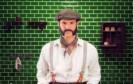 """Schnauzer, Zwirbel- oder Walrossbart: In Sachen männliche Haartrends boten die vergangenen 100 Jahre einige Highlights. Die wichtigsten zeigt Gillette in seinem 60-Sekünder """"Die Geschichte der Rasur""""."""