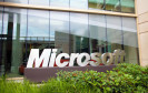 Microsoft verringert die Belegschaft. Im kommenden Jahr will der IT-Konzern 18.000 Stellen kürzen, davon 12.500 beim Handyhersteller Nokia. Bei Smartphones liegt der Fokus künftig auf Windows Phone.