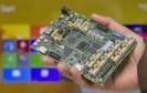 Mit dem neuen Entwicklerboard Sharks Cove präsentiert Microsoft einen leistungsfähigen Gegenspieler zum beliebten Bastel-Rechner Raspberry Pi.