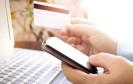 Einfach zurückschicken: Webshopper glauben, dass die gewählte Zahlungsart den Retourenprozess beeinflusst. Entsprechend positiv bewerten sie etwa den Kauf per Rechnung.