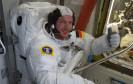 Der deutsche ESA-Astronaut Alexander Gerst hat heute seinen ersten Außeneinsatz an der internationalen Raumstation ISS. Der Weltraumspaziergang wird von der NASA per Livestream übertragen.