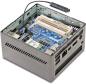 Prozessoren: Die Mini-PCs arbeiten meist mit sparsamen Low-Voltage-Prozessoren von Intel und AMD. Die CPUs werden in der Regel aktiv gekühlt. Die Abwärme wird dabei über die Lüftungsschlitze abgeführt.