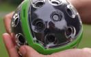 180°- und auch 360°-Panoramen sind nichts neues. Eine Kamera, die 360°x360°-Aufnahmen macht, aber schon. Panonos Ballkamera fängt die gesamte Umgebung ein und soll im Frühjahr 2015 erscheinen.