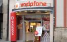 Wie bereits auf der IFA angekündigt, bietet Vodafone nun auch ein Bundle aus Mobilfunk, Festnetz und TV an. Der monatliche Rabatt liegt bei 10 Euro im Monat.