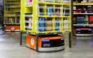 Amazon hat in Kalifornien die neue Generation seiner Logistik-Zentren vorgestellt. In den USA hat der Online-Händler bereits 15.000 Kiva-Roboter in Betrieb.
