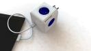Das Top-Modell der pfiffigen Steckdosenleisten in Würfelform eignet sich für den Einsatz daheim oder auf Reisen. Der kompakte Adapter mit 4 Steckdosen und 2 USB-Ports (2,1 Ampere) kommt inklusive mehrerer Reise-Stecker (DE, FR, UK, USA, AUS).