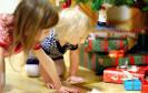 Was tun, wenn unter dem Weihnachtsbaum nicht das Gewünschte liegt? Rund zehn Millionen Deutsche planen, solche Präsente online weiterzuverkaufen.