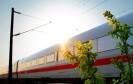 Zug-Wagon im Sonnenuntergang