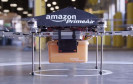 Drohne von Amazon mit Paket