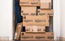 Stapel mit Amazon-Paketen