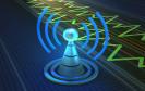 Mobilfunkturm mit Funkwellen