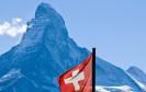 Matterhorn und Schweizer Fahne