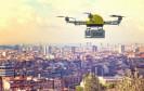 Paket-Drohne im Flug