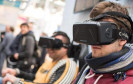 VR-Vorreiter wie Oculus bieten Brillen mit eigenem Bildschirm an ? Google setzt dafür komplett auf Smartphones.