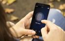 Fingerabdruck auf Smartphone