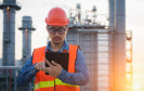 Industrie-Arbeiter mit Tablet